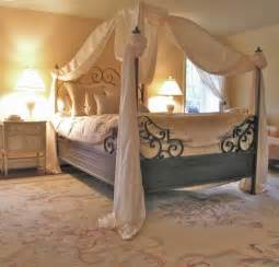 Four Poster Drapes Make Your Life Colorful Romantic Bedroom Design