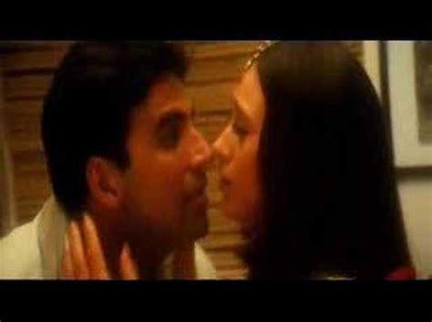 alka yagnik ek baar to india jeena sirf merre liye 2002 akshay and karishma kapoor in honeymoon song ek rishta