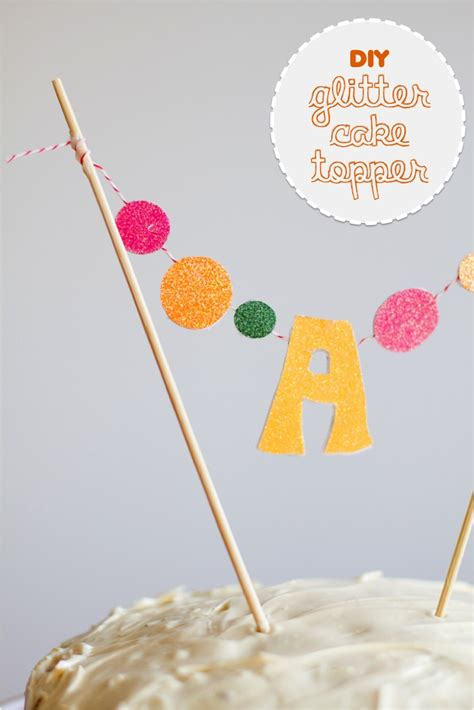 DIY glitter monogram cake toppers. Make one .or grab one