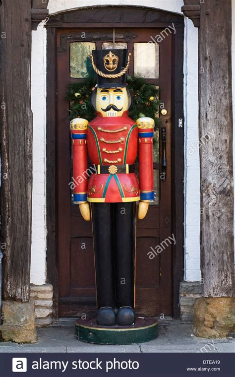 outdoor nutcracker nutcrackers pinterest christmas