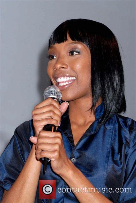 brandy singer no hair brandy hosts the hot hair extravaganza for the