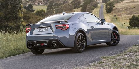 2018 toyota 86 review 2018 toyota 86 pricing and specs photos 1 of 9