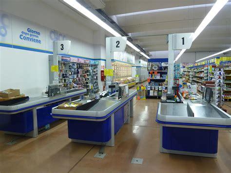banchi cassa supermercati amnifrigor impianti frigoriferi banchi cassa
