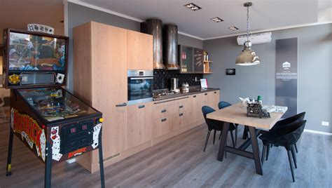 Bella Cucine Kitchen Store #1: 59_z_scavolini-store-savona_diesel-social-kitchen.jpg
