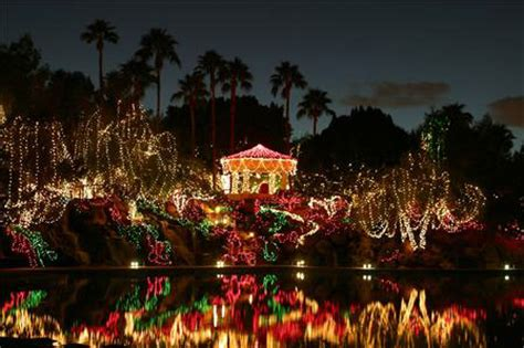 The Best Christmas Lights In Gilbert Val Vista Lakes Events Lights Gilbert Az