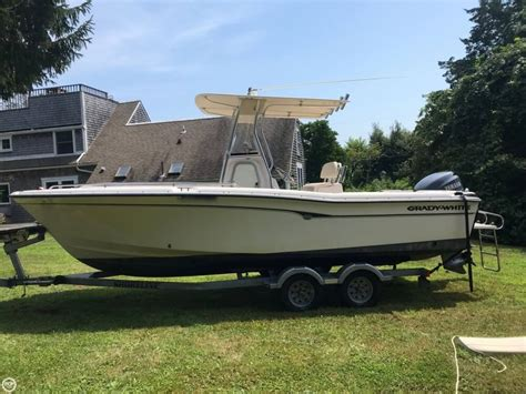 used center console boats for sale ma 2002 used grady white 222 fisherman center console fishing