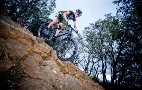 berta monta en bici 8498385857 bh ultimate la hardtail che user 224 martina berta pianeta mountain bike