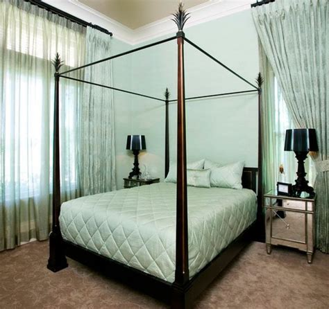 Mirrored Canopy Bed Add Dimensions And Perspective To Your Bedroom With Mirrored Bedside Tables