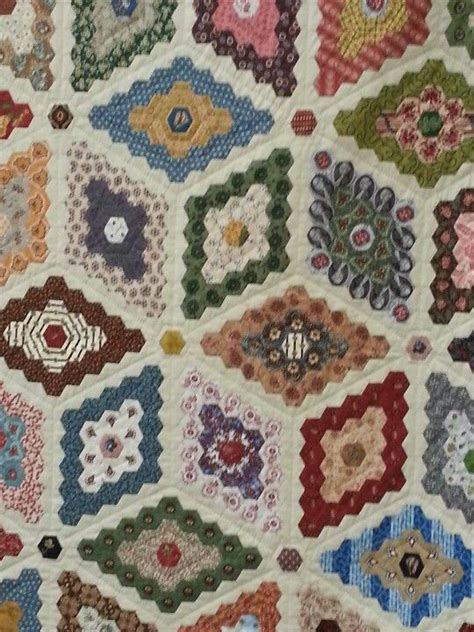 Patchwork Hexagons - 1000 ideas about hexagon patchwork on