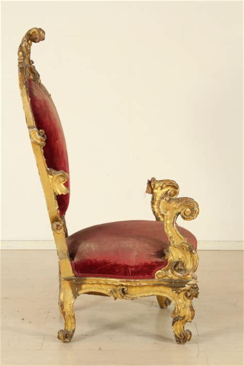 poltrona trono sedie poltrone divani trono dorato