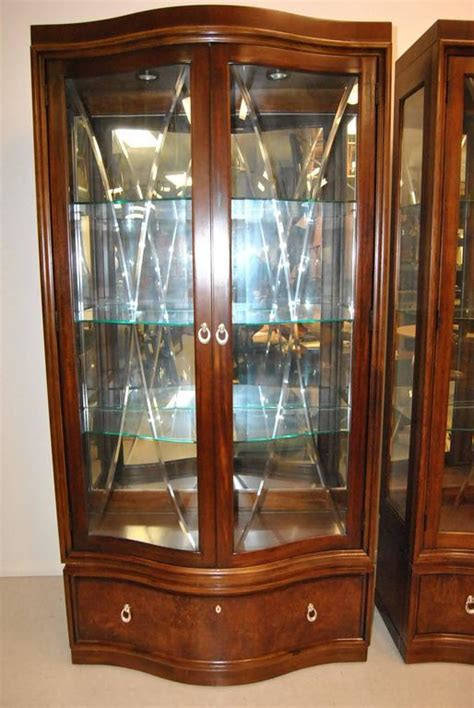 Thomasville China Cabinet Used by Thomasville Bogart Collection Quot Bel Air Quot Mahogany Curio
