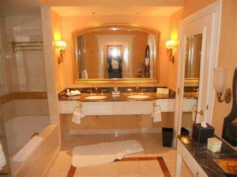 front desk hallway picture of venetian resort hotel