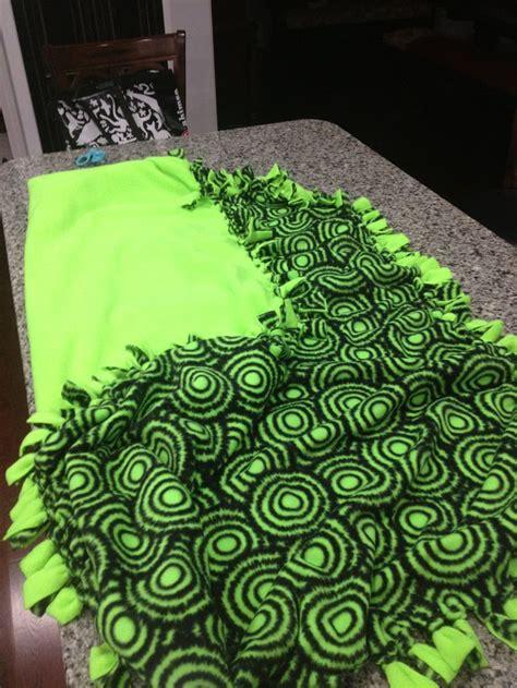 No Sew Fleece Quilt Blanket by 53 Best Fleece Blankets Images On