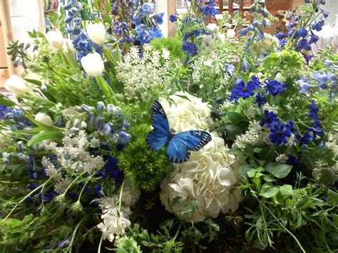 Bunga Dinding Tulip Spray 230 best images about casket sprays on delphiniums sympathy flowers and funeral