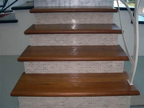 rivestimento scale in legno gradini in legno lavorare il legno costruire gradini