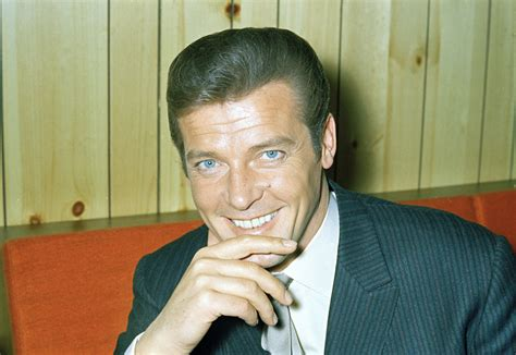 roger moore died james bond star roger moore dies at 89 chicago tribune
