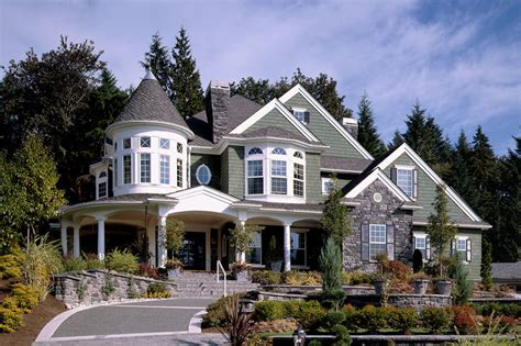 Victorian Style House Plan   4 Beds 4.5 Baths 5250 Sq/Ft