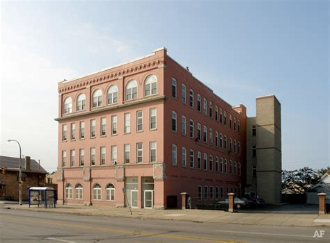 Apartments In Buffalo Ny That Go By Income Christine Apartments Buffalo Ny Apartment Finder