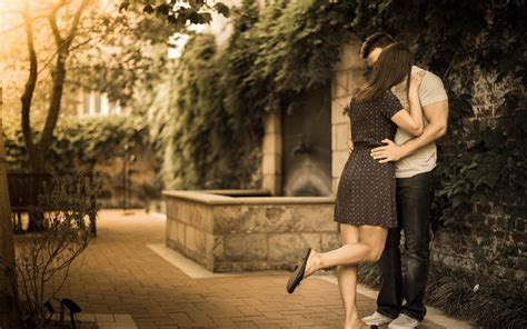 wallpaper desktop couple kissing young couple kiss on road hd pics large hd wallpapers