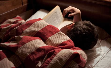 reading before bed 8 ways to shut your brain off before bedtime ozmattress