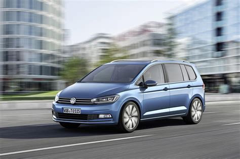 Volkswagen Automobiles by R Line Package Governs The Refreshed Touran