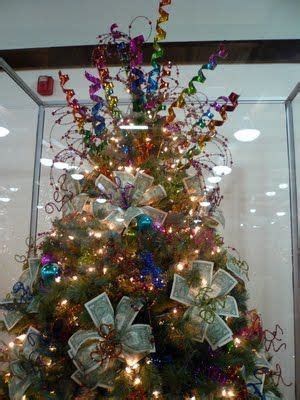 ponzi christmas trees marin 17 best ideas about money trees on gift money creative money gifts and money bouquet