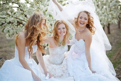 Why Wedding Dresses Are White by Why Are Wedding Dresses Traditionally White White Gown
