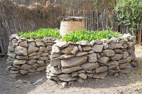 Keyhole Gardening by Keyhole Gardens How To Make Keyhole Raised Bed Corner