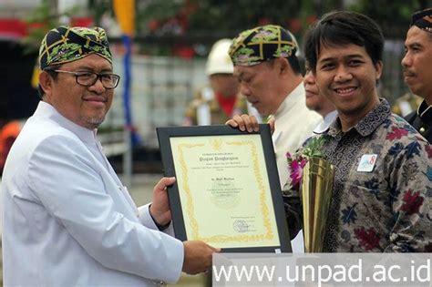 Dokter Kandungan Aborsi Jawa Barat Gagas Ambulans Motor Dr Dani Ferdian Raih Juara Anugerah