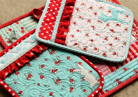 Free Quilted Potholder Pattern by 1000 Ideas About Quilted Potholders On