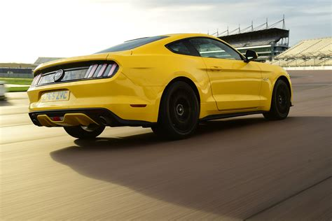 ford v8 mustang ford mustang v8 review pictures auto express