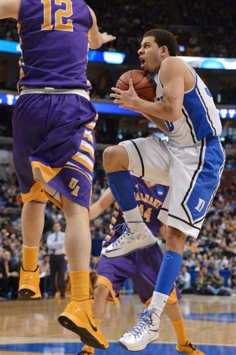 seth curry basketball shoes ncaa sneaker sweet 16 brand breakdown sole