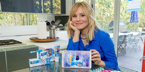 kristen bell home kristen bell says she d come back for frozen 2 in a