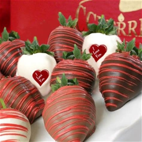 valentines chocolate delivery valentines i you chocolate covered strawberries for