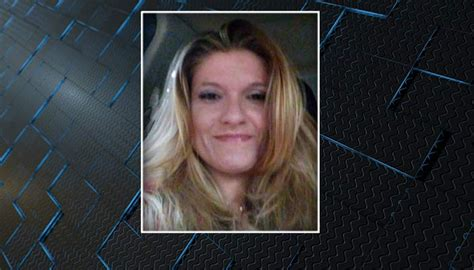 charleston police searching  missing woman
