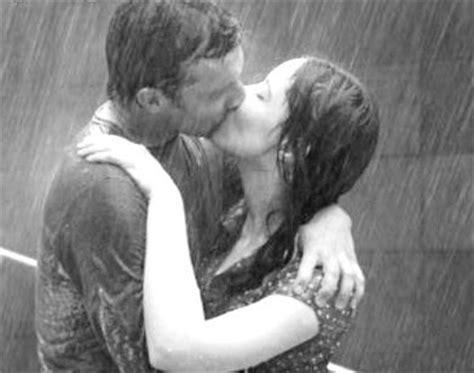imagenes romanticas de parejas bajo la lluvia mi mundo besos bajo la lluvia