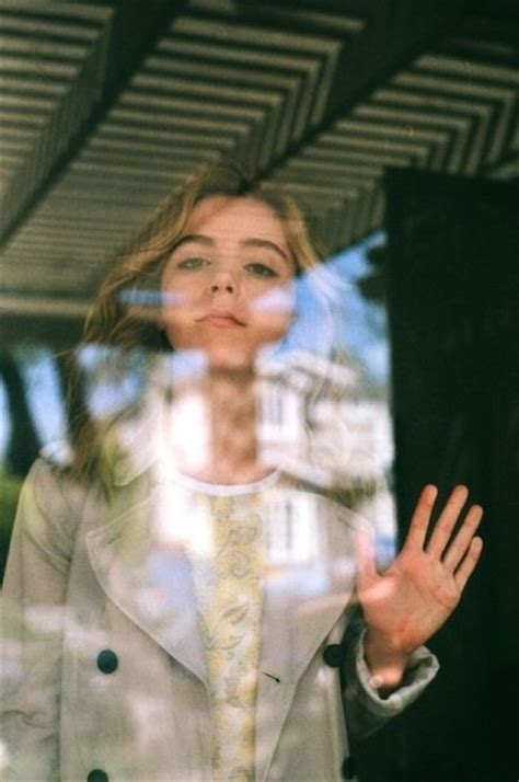 Brilliant Aka Vanity by Best 25 Kiernan Shipka Ideas On Brilliant
