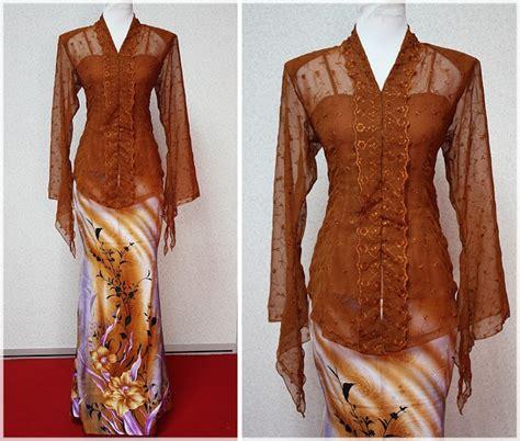 Kebaya Klasik 1 kebaya klasik brown kebaya and sarong