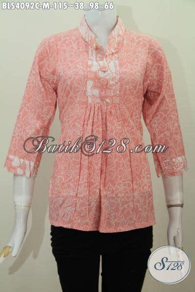desain baju batik yang modis baju blus istimewa desain modis bahan batik cap yang halus