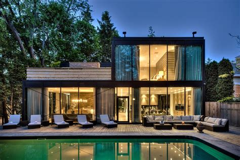 four houses that done glass right property tips