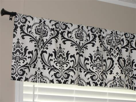 7 various ways to do black and white curtains for kitchen