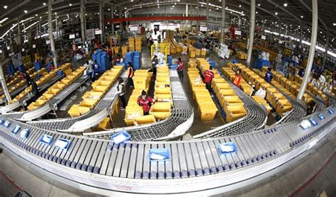 ついにネット通販物流の無人化が始まった ロボット駆使した倉庫を中国ec大手jdが実現 ネットショップ担当者フォーラム