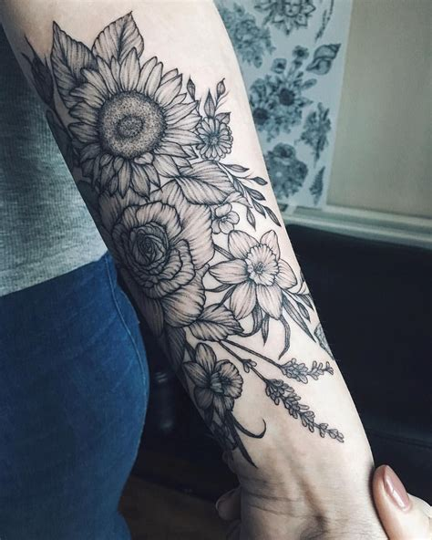 rose and sunflower tattoo 1 391 likes 7 comments yaana gyach artist yg