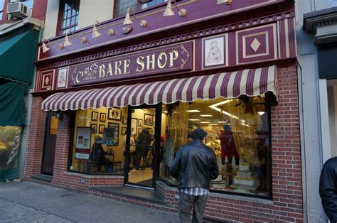 cake shops nyc cake carlo s bake shop an easy visit from nyc