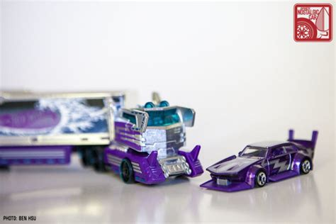 MINICARS: So Hot Wheels went and made a dekotora