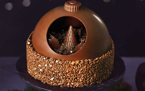 aldi  selling  chocolate bauble cake   time