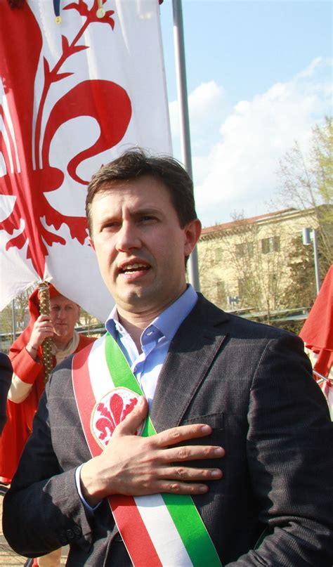 ufficio elettorale comune di firenze vice sindaco nardella inviti allo scoppio carro i suoi