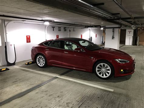tesla model s supercharger tesla to roll out compact 72 kw superchargers in