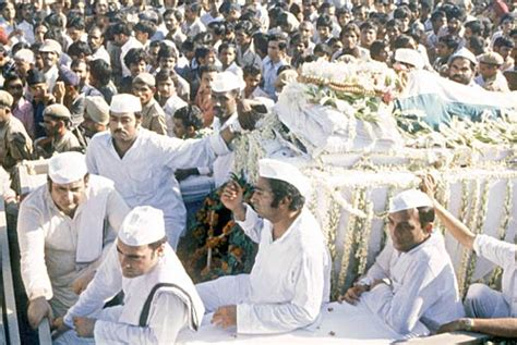 mahatma gandhi funeral cremation e5jcprl4lny the gallery for gt sanjay gandhi funeral