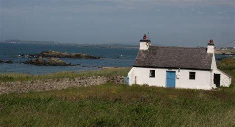 anglesey cottages rhosneigr cottages tyn towyn